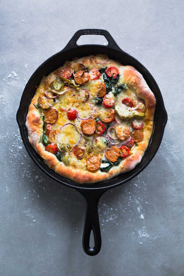 3 minutes cast iron skillet pizza