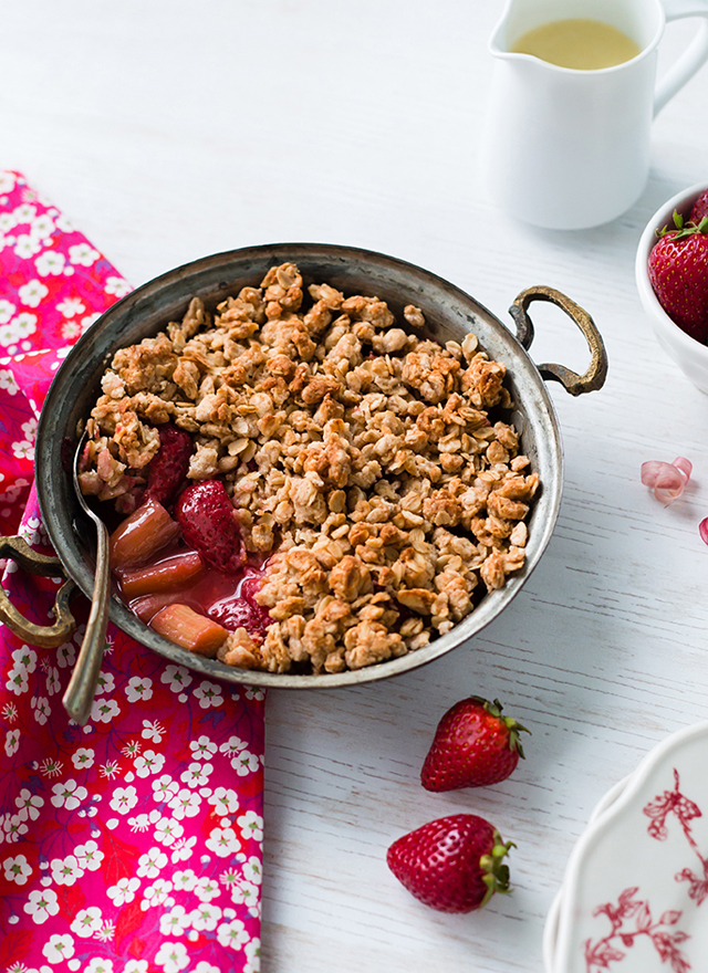 Rhubarb and Strawberry Crumble, Royaume-Uni, collection Épicerie du Monde
