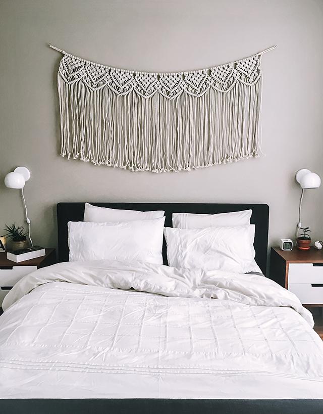 Minimalist Bedroom | www.christelleisflabbergasting.com